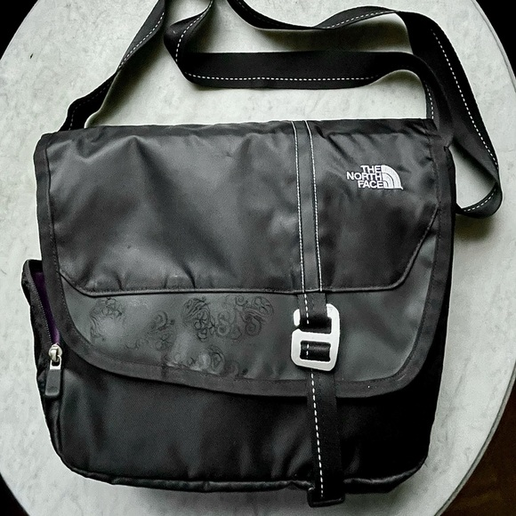 Insulated north face bag NEW